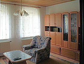 Wohnzimmer - Ferienwohnung in Dresden / Weixdorf mit Bad/WC, Fernseher und Radio